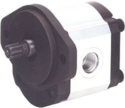 W900 Series Gear Pumps, Up To 13 GPM @ 1800 RPM, Up To 4000 PSI, Up To 4000 RPM